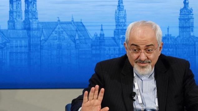 وزير الخارجية الايراني ظريف (بعدسة كريستوف ستاشي أ ف ب )