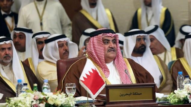 وزير الخارجية الكويتي شيخ خالد بن احمد آل خليفة خلال قمة الجامعة العربية في الكويت ٢٣ مارس ٢٠١٤ (بعدسة ياسر الزيات / أ ف ب)