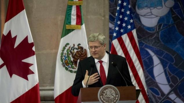 رئيس الوزراء الكندي ستيفن هاربر في مكسيكو الجمعة ١٩.٠٢.٢٠١٤ (أ ف ب)