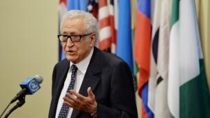 المبعوث الدولي الى سوريا الاخضر الابراهيمي الخميس ١٣ مارس ٢٠١٤ (أ ف ب)