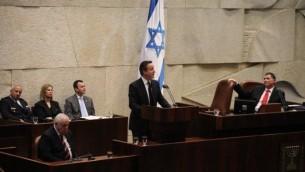رئيس وزراء بريطانيا دافيد كاميرون يلقي خطابه امام  الكنيست 12 مارس 2014 (مقدمة من مكتب رئيس مجلس الكنيست)