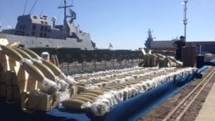 قذائف من سفينة الاسلحة عرضت في ايلات (بعدسة ميتش غينسبرغ/ طاقم تايمز أوف اسرائيل)