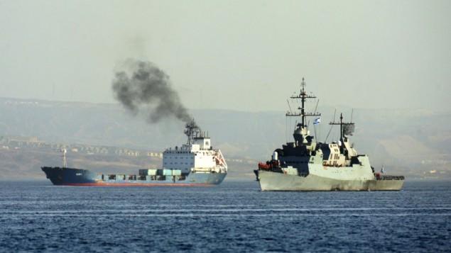 سفينة سلاح الحربية الاسرائيلية ترافق السفينة الايرانية كلاوس سي الى ميناء ايلات (فلاش 90)