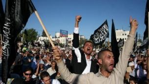 مظاهرة لمؤيدو حزب التحرير في رام الله 7 يوليو 2012 (بعدسة عصام ريماوي / فلاش 90)