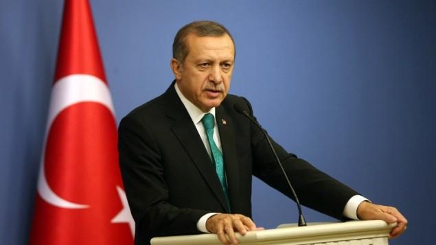رئيس وزراء تركيا يلقي كلمة امام الصحافة الثلاثاء 25 مارس 2014 (أ ف ب)