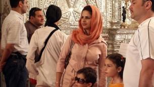 عائلة ايرانية في طهران  (photo credit: CC BY-SA Giorgio Montersino/Flickr)