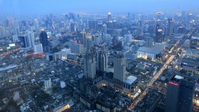 بانكوك عاصمة تايلاند (بعدسة ناتي شوحاط/ فلاش ٩٠)