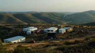 مستوطنة يتسهار في الضفة الغربية قضاء رام الله ٢٠١٣ (فلاش ٩٠)