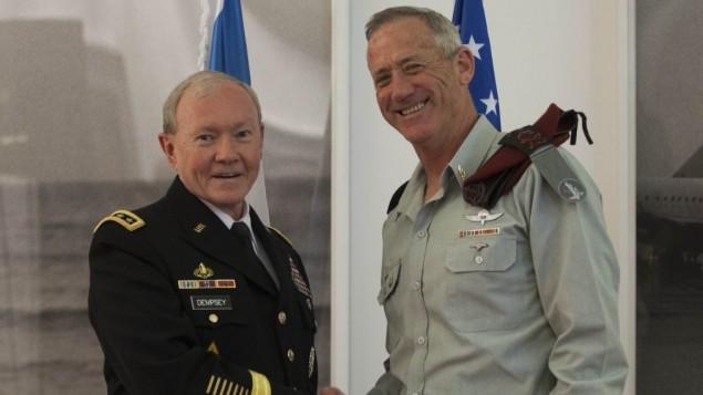 رئيس هيئة الاركان المشتركة الأمريكية الجنرال مارتن ديمبسي يوم الاثنين خلال لقاء مع رئيس هيئة الأركان الإسرائيلية الجنرال بيني غانتز ٣١ مارس ٢٠١٤ (فلاش ٩٠/ يوناتان سنايدل)