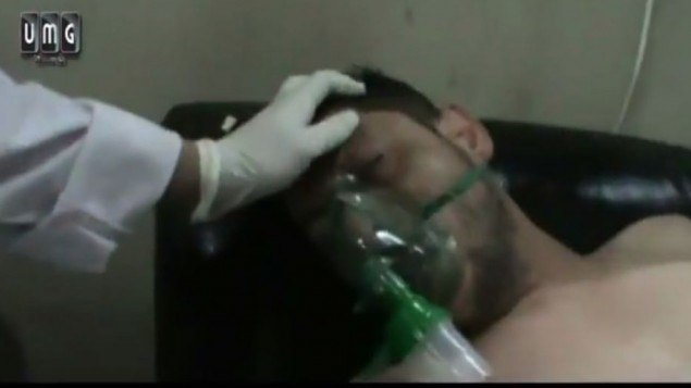 ورة شاشة من فيديو يوتوب نشره المتمردون ١٦ ابريل ٢٠١٤ يظهر ضحايا هجوم كيماوي اضافي لنظام الاسد (من شاشة اليوتوب)