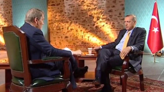 الرئيس التركي رجب طيب اردوغان في مقابلة مع تشارلي روز ٢٨ ابريل ٢٠١٤ (من شاشة اليوتوب)