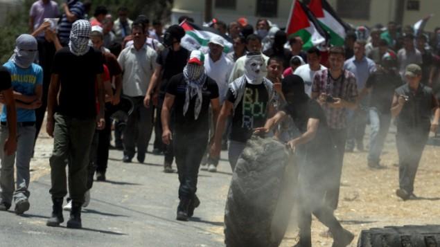 اشتباكات بين الجيش والفلسطينيين في نابلس ٢٠١٢ (عصام ريماوي/ فلاش ٩٠)