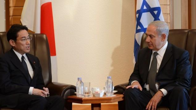رئيس الوزراء بنيامين نتانياهو مع وزير الدفاع الياباني اتسونوري اونوديرا في طوكيو الثلاثاء ١٣ مايو ٢٠١٤ (Kobi Gideon/GPO/Flash 90)