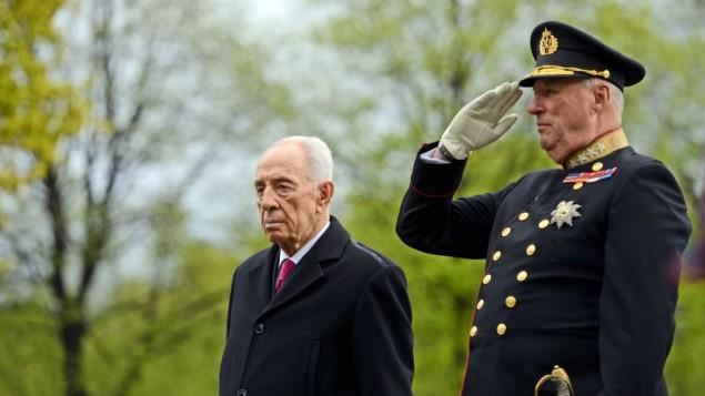 رئيس الدولة شمعون بيريز مع الملك النرويجي هارولد الخامس مايو ١٢ ٢٠١٤ photo credit: Haim Tzach/GPO)