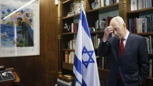 رئيس الدولة شمعون بيريس في مقره في القدس 27 مارس 2014 ( Miriam Alster/FLASH90)