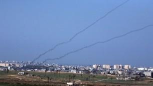 اطلاق صواريخ من غزة (Yossi Zamir/Flash90)