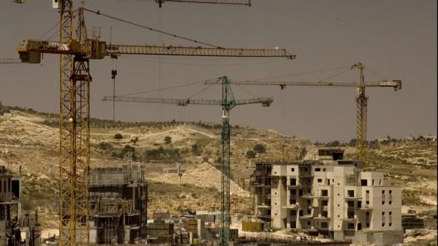 عمليات البناء في مستوطنة هار حوما، القدس الشرقية ( Olivier Fitoussi/Flash90)