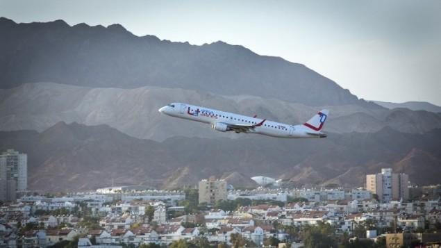 صورة توضيحية لطائرة تقلع من مطار ايلات (Moshe Shai/Flash90)