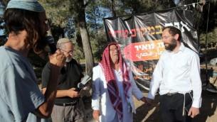 صلاة مشتركة، يهود ومسلمون من اجل عودة الطلاب المخطوفين في جوش عتسيون ١٧ يونيو ٢٠١٤ (مقدمة من يوسي زمير)