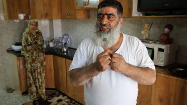 عمر ابو عيشة في بيته بالخليل ( Courtesy)