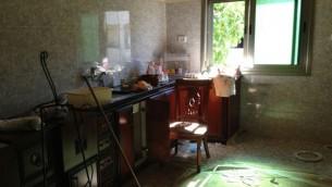 المطبخ المحطم في بيت عئلة ابو عيشة يونيو ١ الخليل (الحانان ميلر)