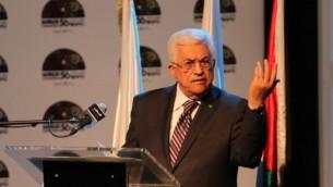 رئيس السلطة الفلسطينية محمود عباس في مؤتمر صحفي بمدينة رام الله يونيو ١٩ (عصام ريماوي/ فلاش ٩٠)