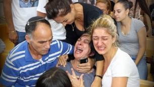 اقرباء المرحومة شيلي دادون في المحكمة بالناصرة اثناء جلسة المتهم يوسف حسين خليفة 9 يوليو 2014 (فلاش 90)