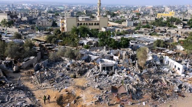 منازل مدمرة في شمال قطاع غزة قرب الحدود مع إسرائيل، الأربعاء 13 أغسطس، 2014. Roberto Schmidt/AFP