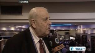 سفير فلسطين في ايران صلاح الزواوي، وهو يعطي مقابلة لتلفزيون برس الايراني (صورة شاشة)