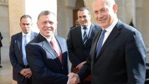 قام رئيس الوزراء الاسرائيلي بنيامين نتنياهو بزيارة مفاجئة إلى الأردن يوم الخميس للاجتماع مع العاهل الأردني الملك عبد الله الثاني  Kobi Gideon / GPO/FLASH90