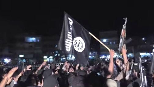مؤيدو الدولة الاسلامية في رقة   YouTube screen cap/Vice