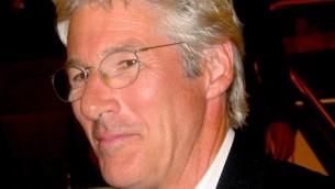 ريتشارد جير  CC BY Wikipedia