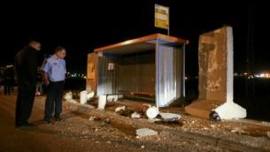 الموقع الذي قتلت به شابة يهودية  في هجوم طعن في محطة للحافلات عند مدخل مستوطنة  ألون شفوت بالضفة الغربية، 10 نوفمبر 2014.Nati Shohat/Flash90