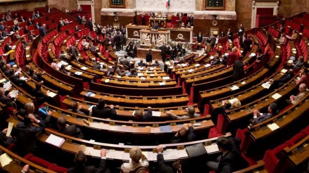 البرلمان الفرنسي  CC-BY-SA Richard Ying, Tangui Morlier/Wikimedia Commons