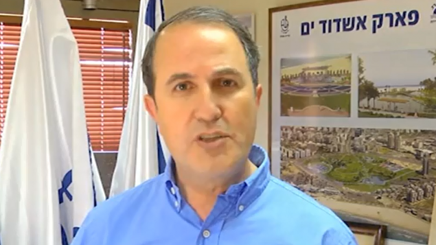 يحيئل لاسري، رئيس بلدية اشدود YouTube/Limor Edrey