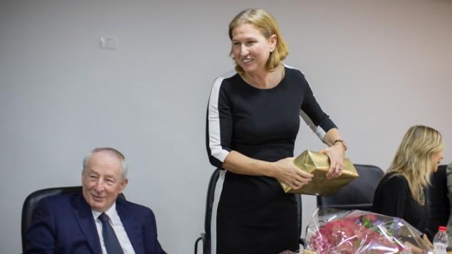 المستشار القضائي يهودا فاينشتين مع وزيرة العدل السابقة تسيبي ليفني 4 ديسمبر 2014 Yonatan Sindel/Flash90