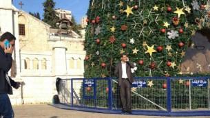 شجرة عيد الميلاد في الناصرة, الاربعاء 17 ديسمبر 2014 (Times of Israel)