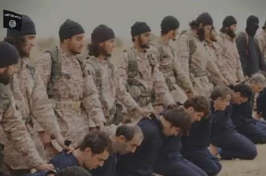 صورة شاشة من فيديو نشرته الدولة الاسلامية (يوتوب)
