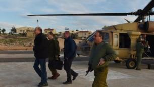 وزير الدفاع يعالون خلال جولة عند الحدود الشمالية مع لبنان 23 يناير 2014    Defense Ministry