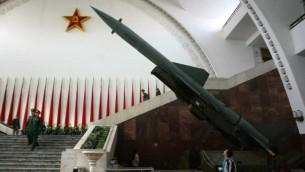 صاروخ صيني في المتحف العسكري في بكين، 6 ديسمبر 2004 (FREDERIC J. BROWN / AFP)