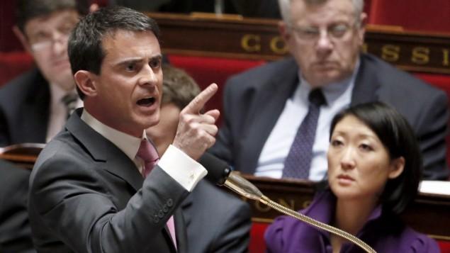 رئيس الوزراء الفرنسي مانويل فالس يخطب في البرلمان، 11 فبراير 2015 (PATRICK KOVARIK / AFP)