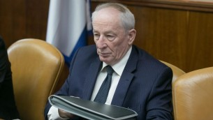 النائب العام يهودا فاينشتين في جلسة الحكومة الاسبوعية في القدس، 23 نوفمبر 2014 (Ohad Zwigenberg/Flash90, Pool)