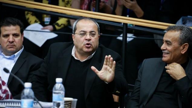 عضو البرلمان  أحمد الطيبي يتحدث امام لجنة الانتخابات المركزية في البرلمان الإسرائيلي . 12 فبراير 2015. Hadas Parush/FLASH90