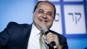 النائب احمد طيبي خلال مؤتمر ديمقراطية اسرائيل في تل ابيب، 17 فبراير 2015 (Amir Levy/Flash90)