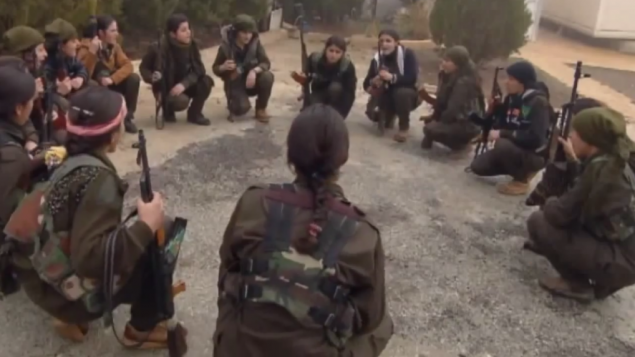 نساء كرديات قبل مواجهة مع الدولة الاسلامية (يوتوب)