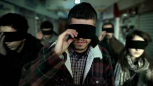 صورة شاشة في فيديو اعنية غربة لفرقة ترابية (يوتوب)