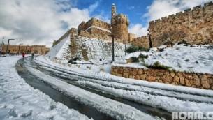 القدس مغطاة بالثلج (Noam Chen)