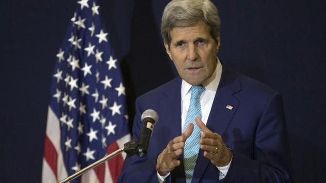وزير الخارجية الأمريكي جون كيري خلال مؤتمر صحفي في شرم الشيخ، 14 مارس 2015 (BRIAN SNYDER / POOL / AFP)
