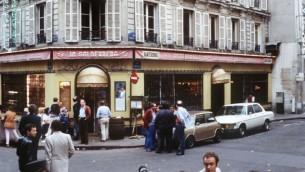 صورة للمطعم في شارع روزييه حيث وقع الهجوم الذي ادى الى مقتل ستة اشخاص من زبائنه والمارة، 11 اغسطس 1982 (AFP/ JOEL ROBINE)