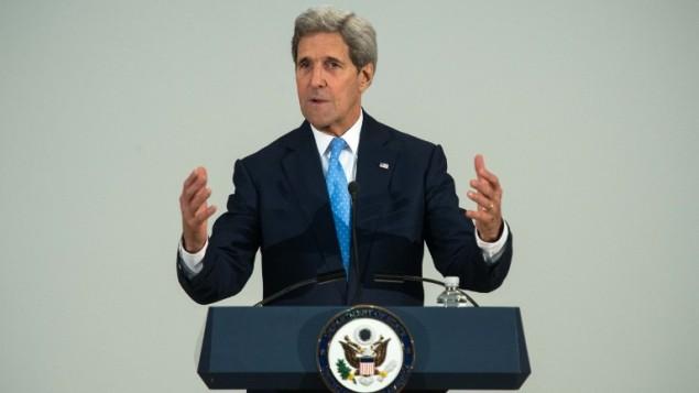 وزير الخارجية الأمريكي جون كيري في وزارة الخارجية في واشنطن، 25 مارس 2015 (NICHOLAS KAMM / AFP)